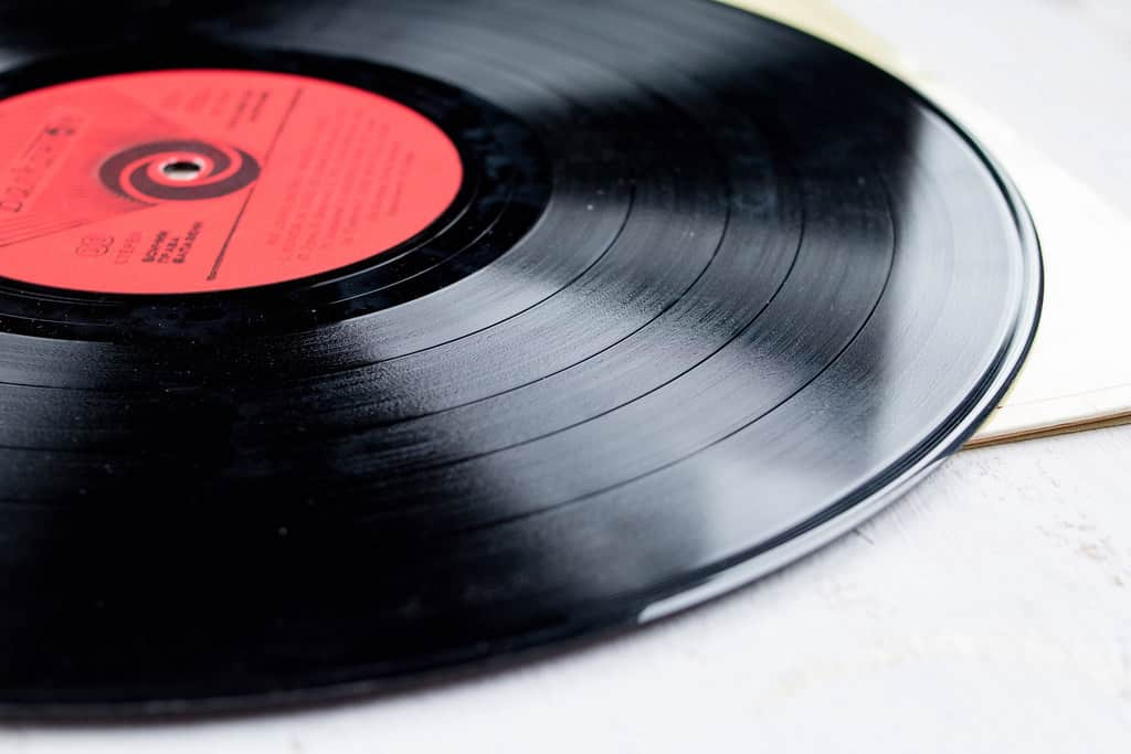 WHAT A VINYL RECORD IS