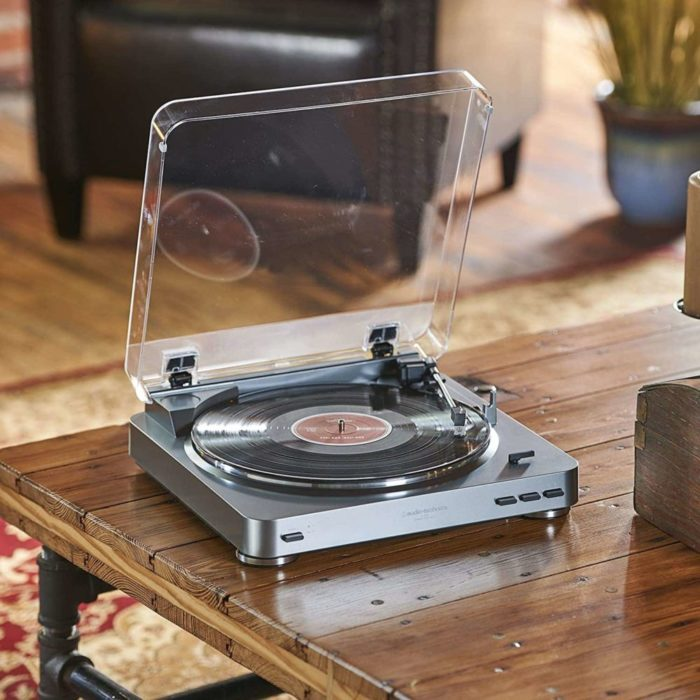 At LP60BK Turntable